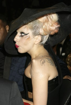 Gaga's new implants (2)