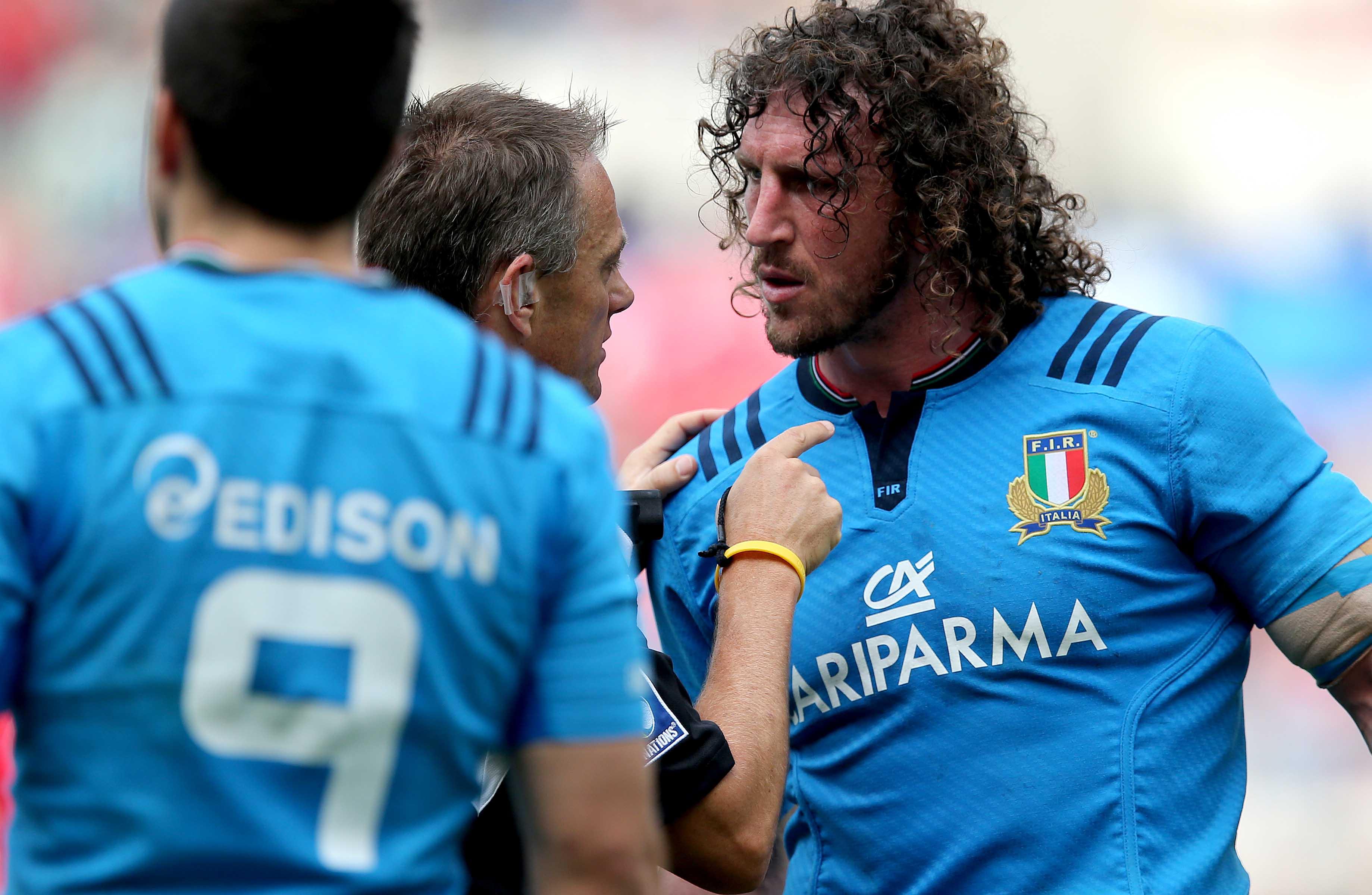 Mauro Bergamasco with referee Chris Pollock